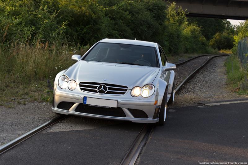 mercedes-benz-clk63-amg-black-series-railroad-tracks-01