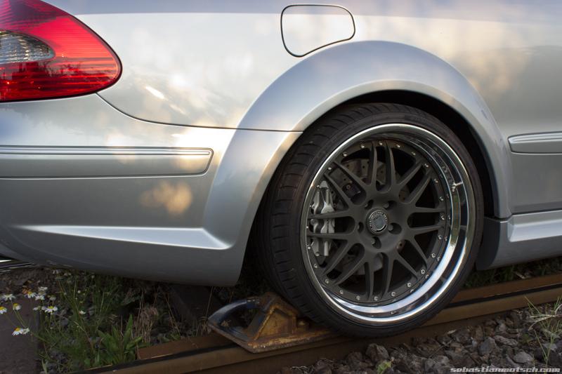 mercedes-benz-clk63-amg-black-series-rear-wheel-hre-01