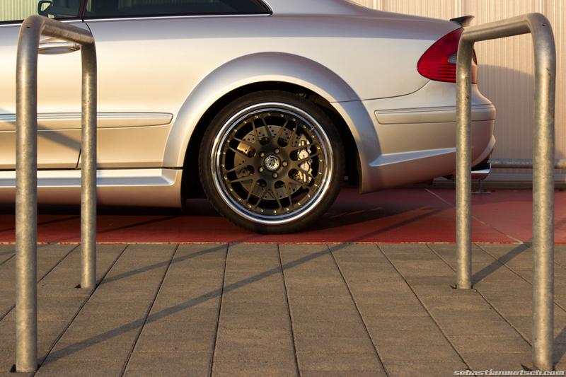 mercedes-benz-clk63-amg-black-series-rear-wheel-hre-02