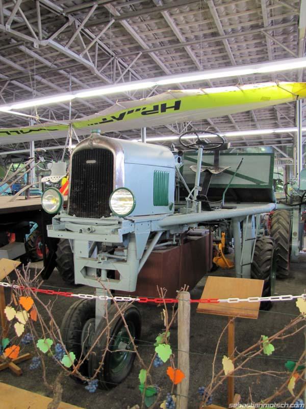 Musée du tracteur enjambeur 06