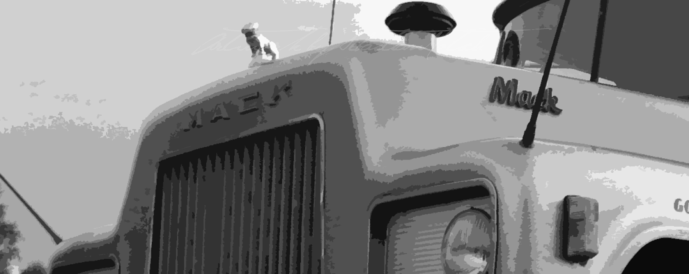 Classic Mack Truck | Artwork by Sebastian Motsch (2018)