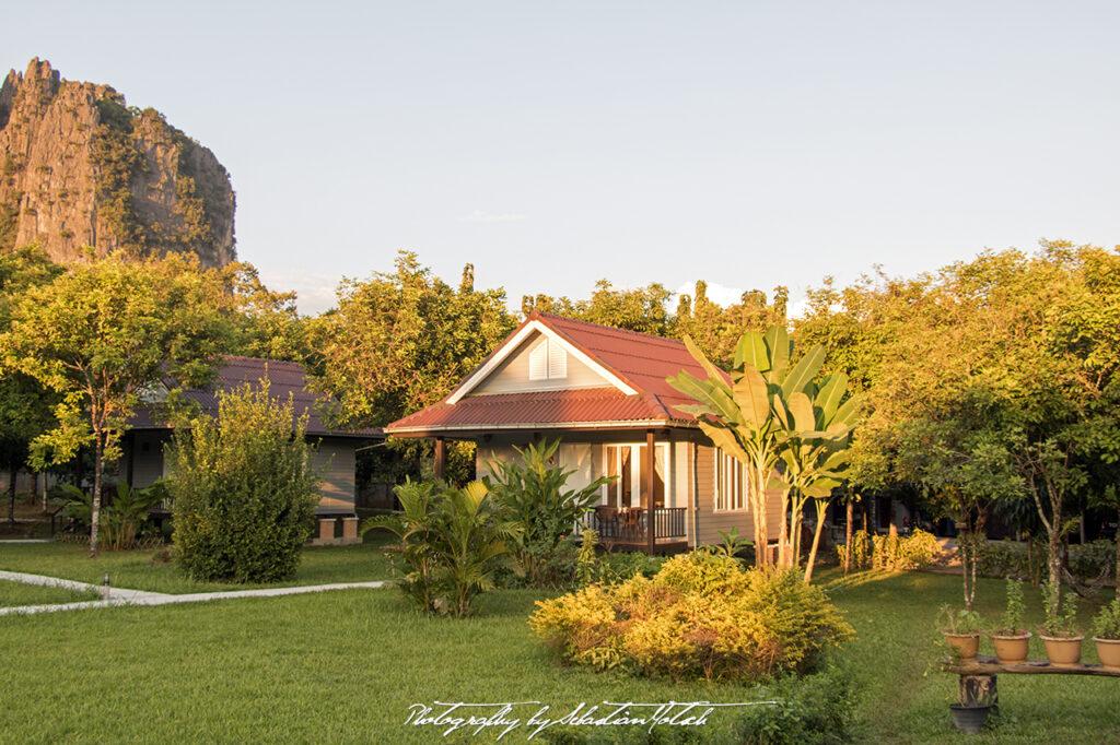 Laos Vang Vieng Bearlin Bungalow by Sebastian Motsch 04