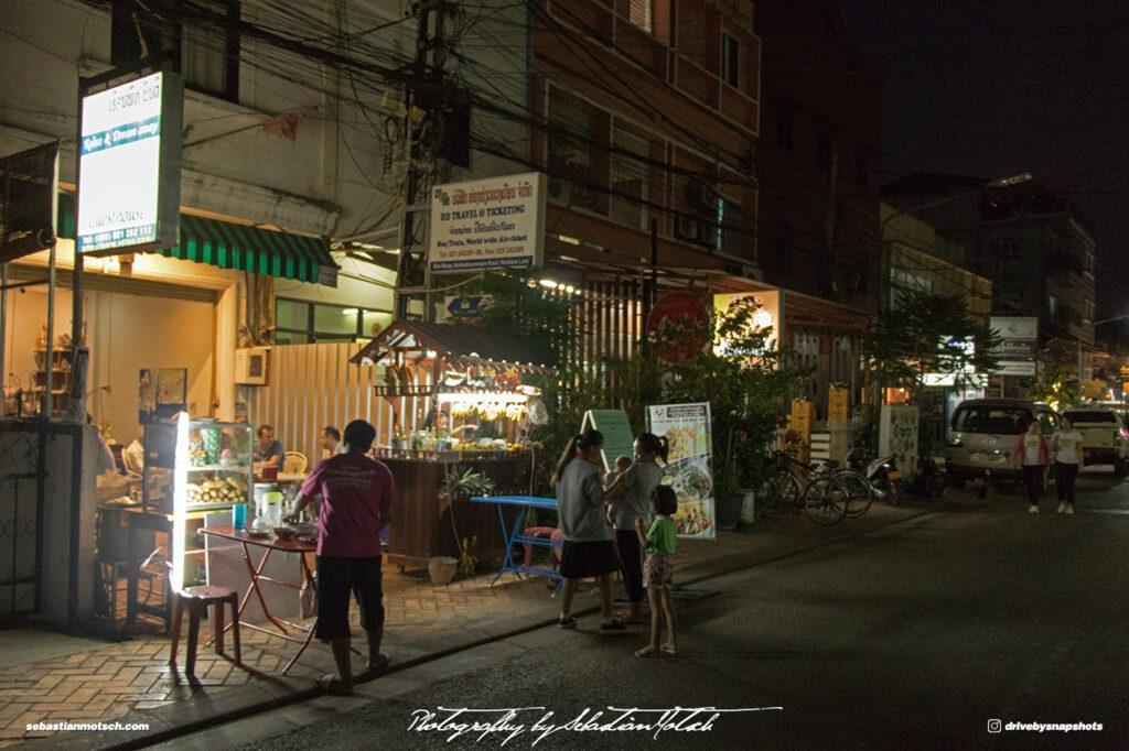 Laos Vientiane Chao Anouvong Park Night Market 02 Travel Photography by Sebastian Motsch