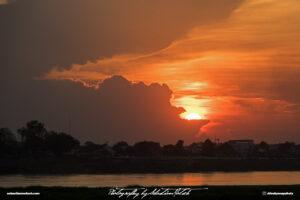 Laos Vientiane Mekong River Sunset 01 Travel Photography by Sebastian Motsch