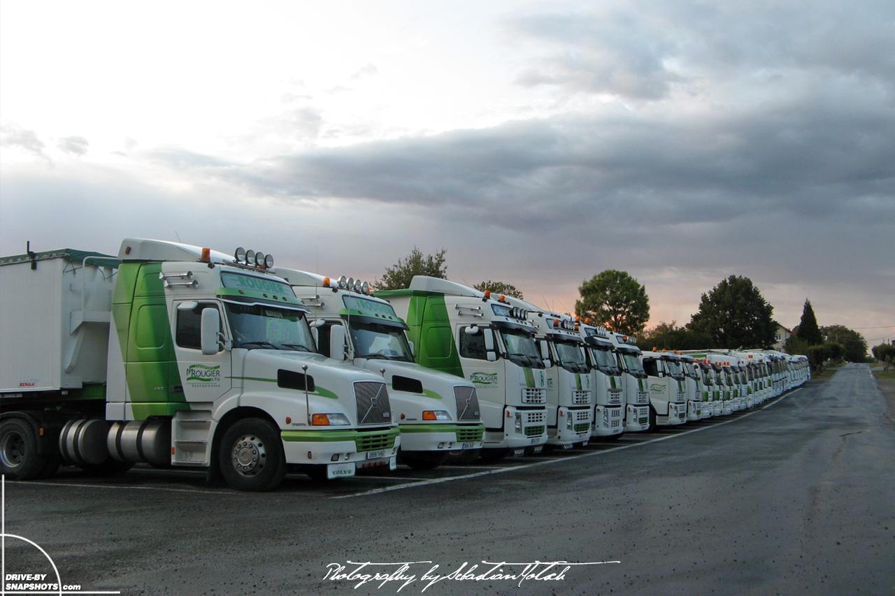 Transports Rougier Classic Mack Truck   Drive-by Snapshots by Sebastian Motsch (2009)