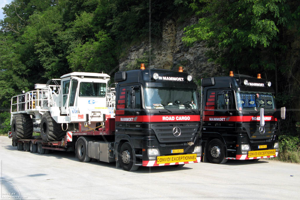 Mercedes-Benz Actros Convoi Exceptionnel Sercel Nomad 65 Neo | Drive-by Snapshots by Sebastian Motsch (2007)