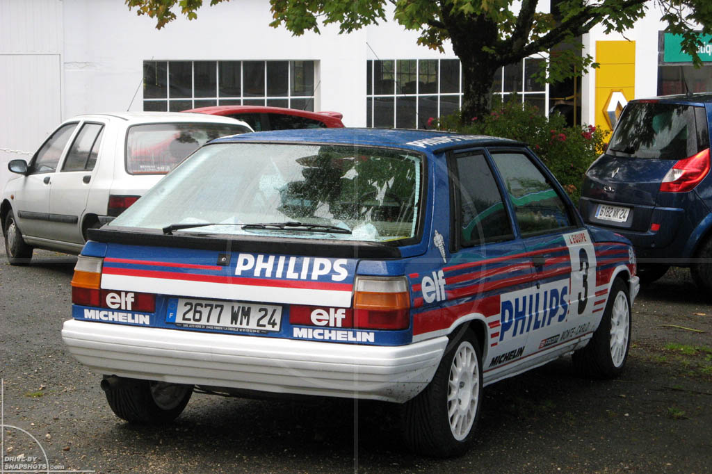Renault 11 Turbo | Drive-by Snapshots by Sebastian Motsch (2013)