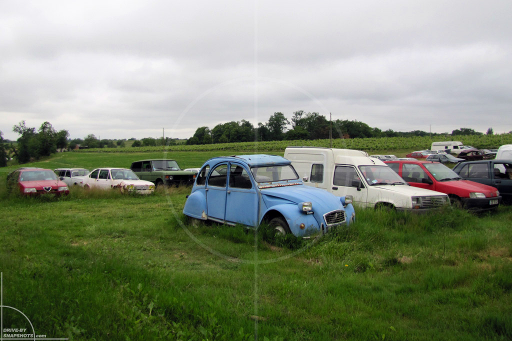 Rust in Peace Les Francaises | Drive-by Snapshots by Sebastian Motsch (2010)