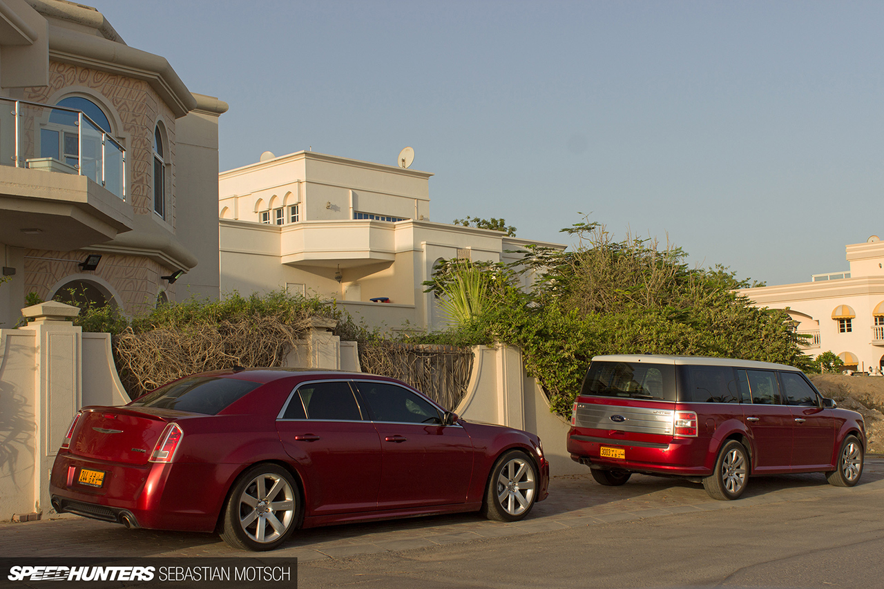 Speedhunters-Chrysler-300C-and-Ford-Fusion-in-Oman-by-Sebastian-Motsch