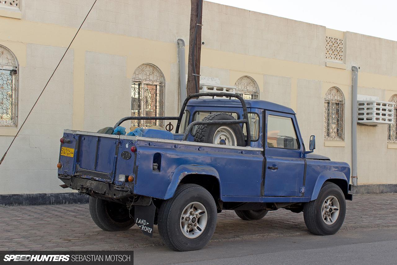 Speedhunters-Land-Rover-Defender-130-Pickup-in-Oman-by-Sebastian-Motsch