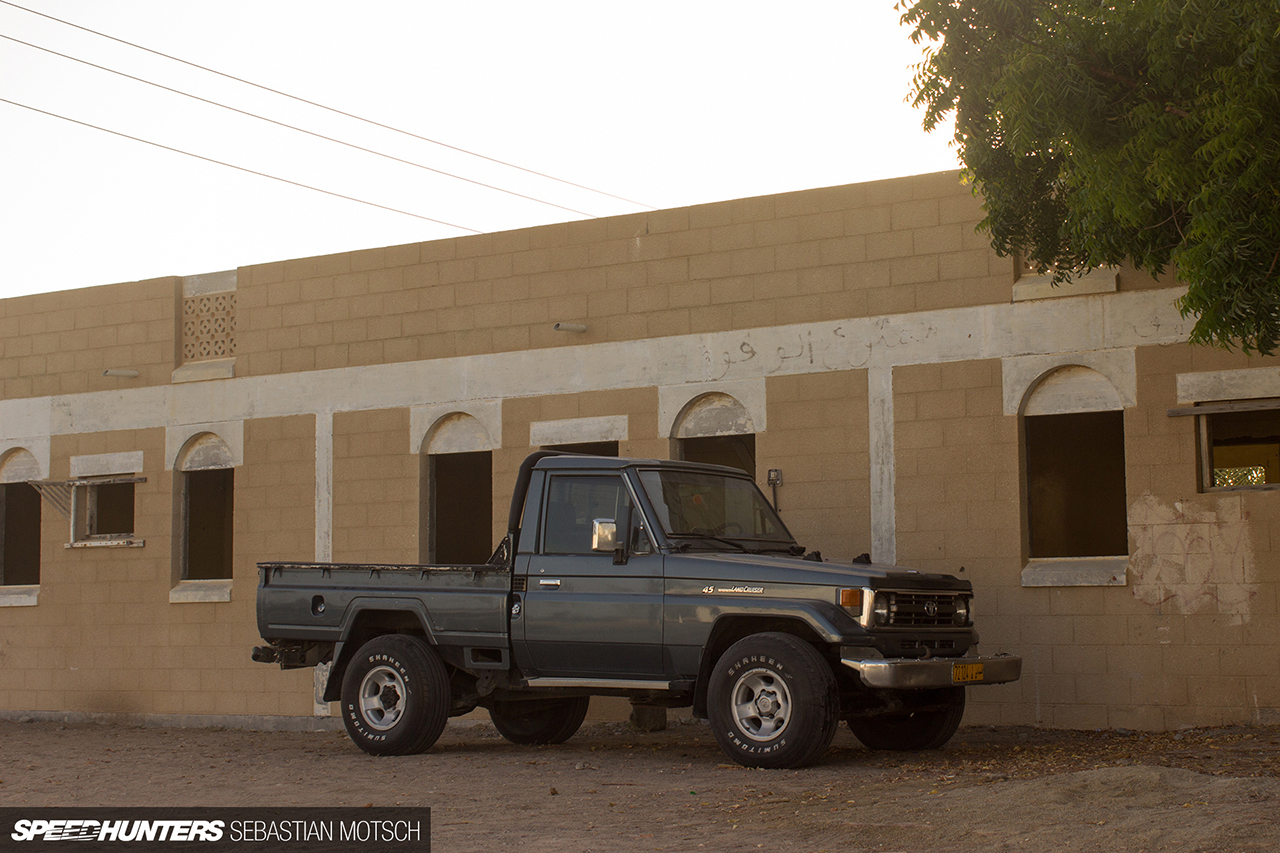 Speedhunters-Toyota-LandCruiser-70-series-Pickup-in-Oman-by-Sebastian-Motsch