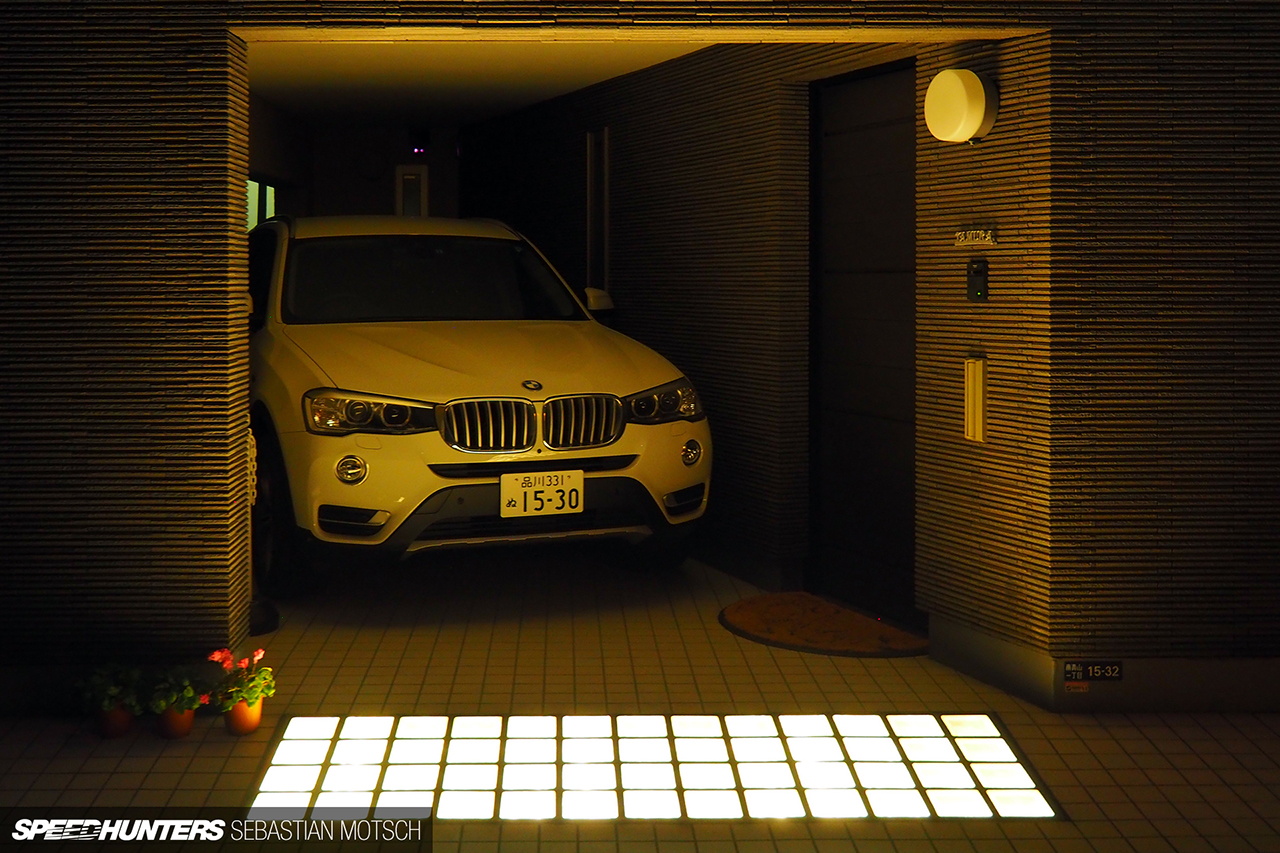 BMW-X3-F25-in-Tokyo-Japan-by-Sebastian-Motsch 1280px