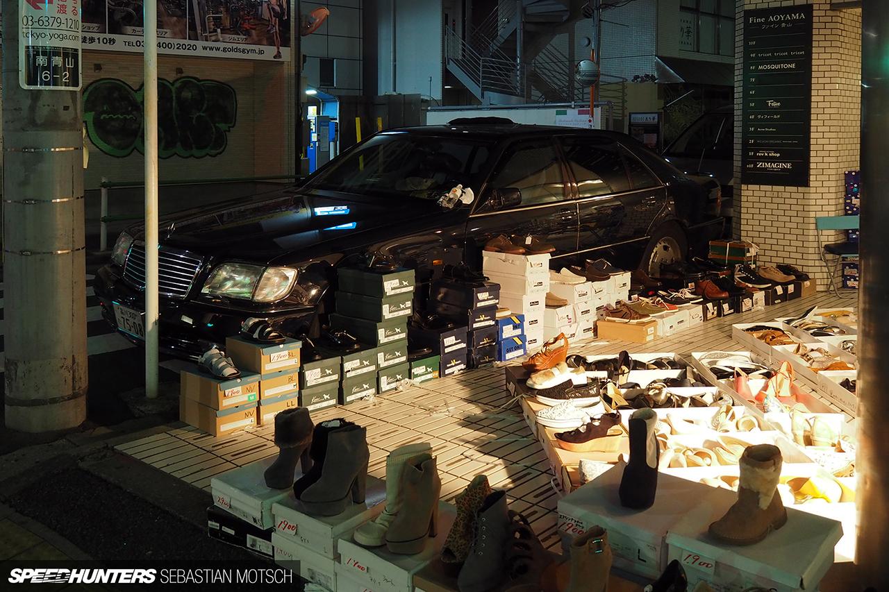 Mercedes-Benz-W140-in-Tokyo-Japan-by-Sebastian-Motsch 1280px