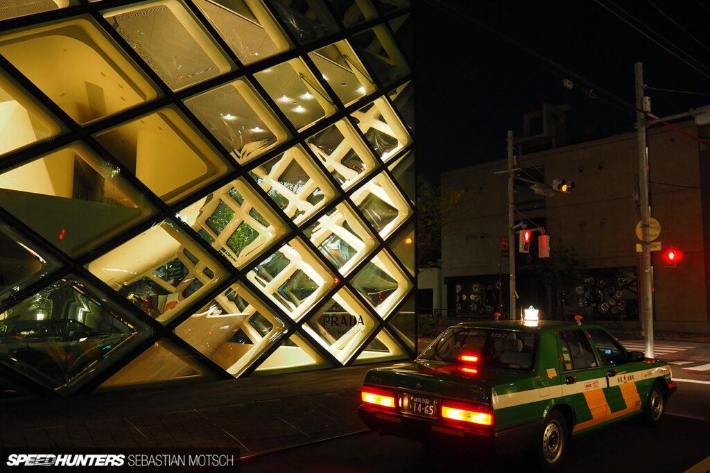 Nissan-Cedric-Y31-Taxi-Prada-in-Tokyo-Japan-by-Sebastian-Motsch 1280px