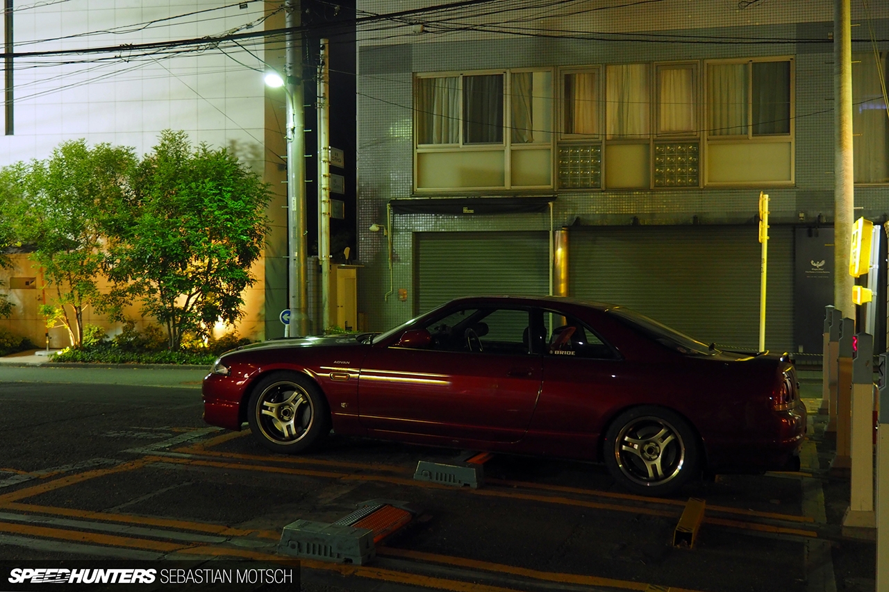 Nissan-Skyline-GT-R33-in-Tokyo-Japan-by-Sebastian-Motsch 1280px