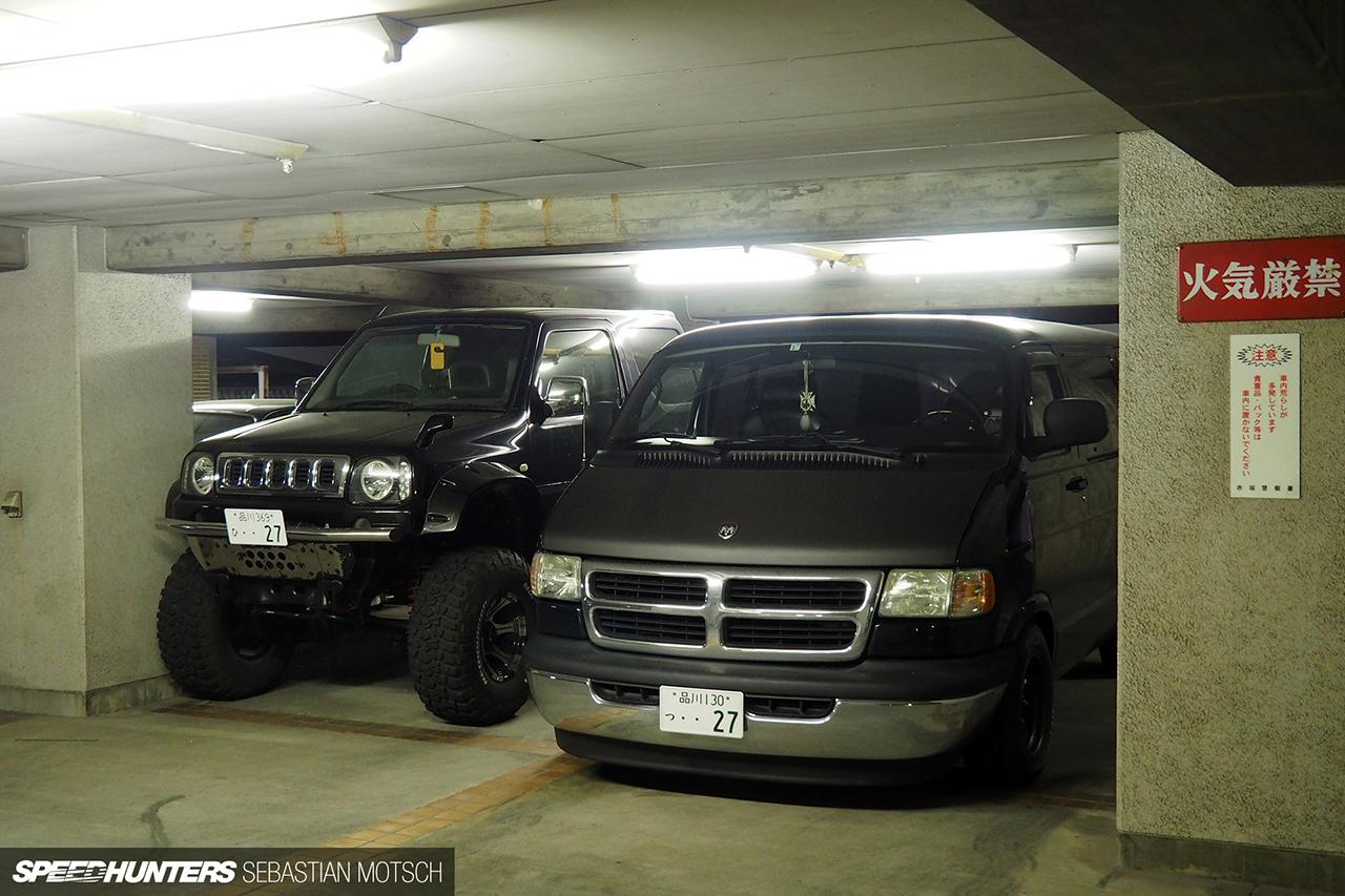 Suzuki-Jimny-Dodge-Van-in-Tokyo-Japan-by-Sebastian-Motsch 1280px