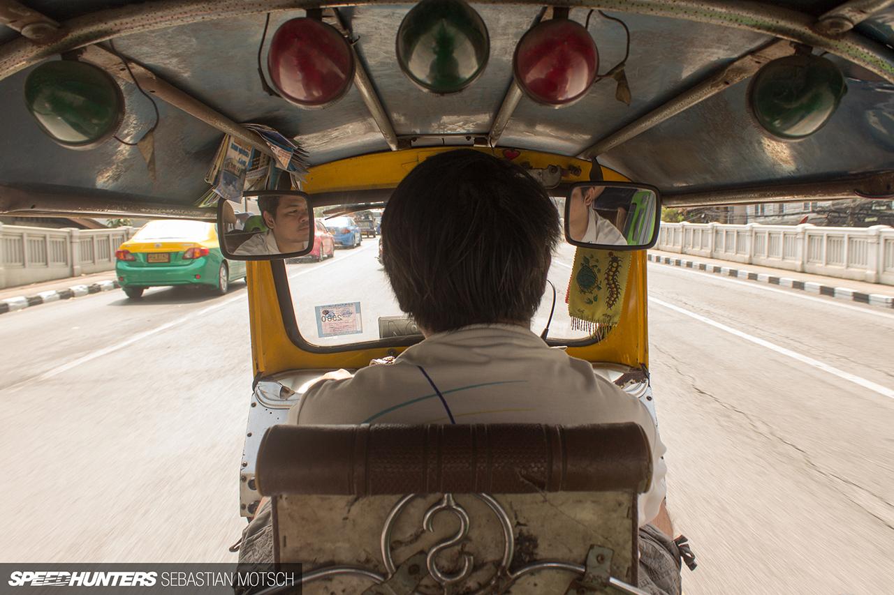 Tuk-tuk-Driver-in-Bangkok-Thailand-by-Sebastian-Motsch 1280px