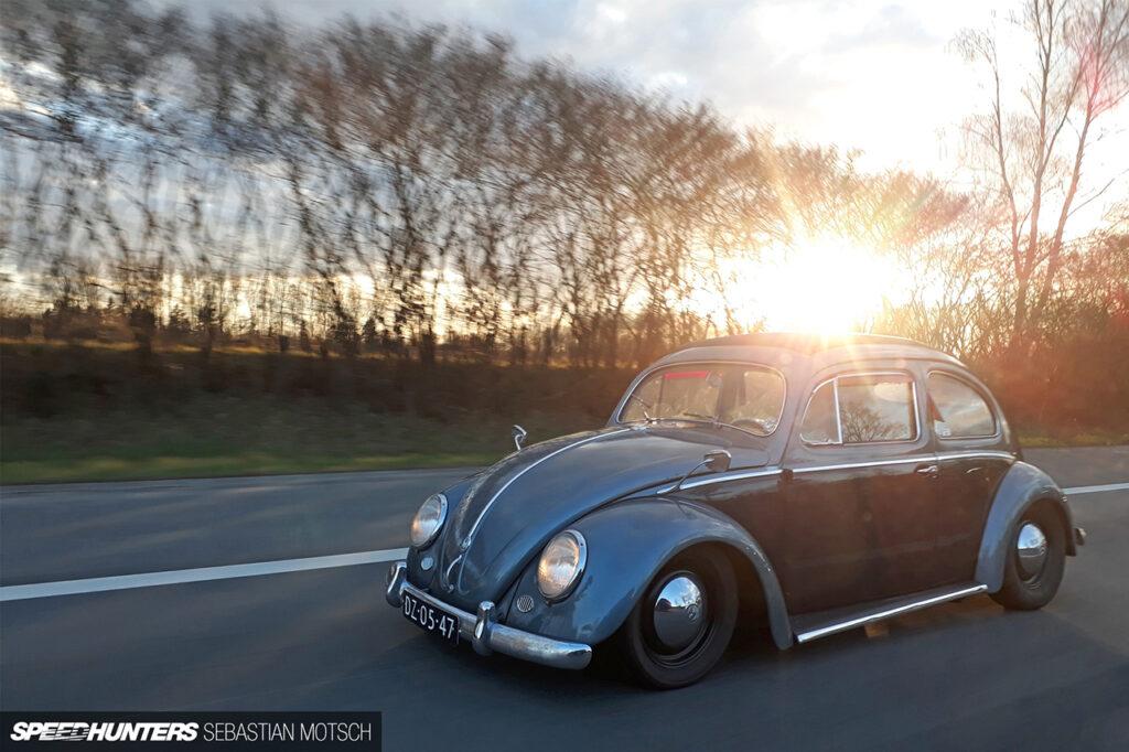 Volkswagen-Beetle-in-Brussels-Belgium-by-Sebastian-Motsch 1280px
