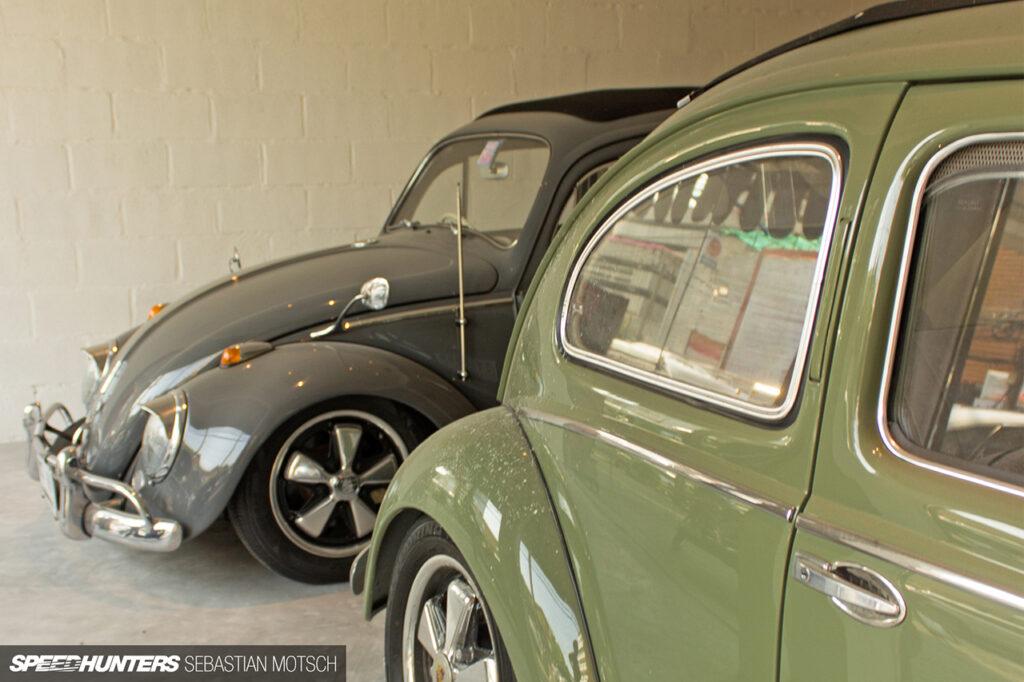 Volkswagen-Beetles-in-Bangkok-Thailand-by-Sebastian-Motsch-05 1280px