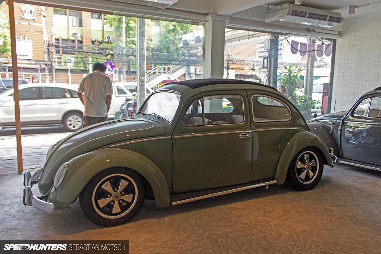 Volkswagen-Beetles-in-Bangkok-Thailand-by-Sebastian-Motsch-06 1280px