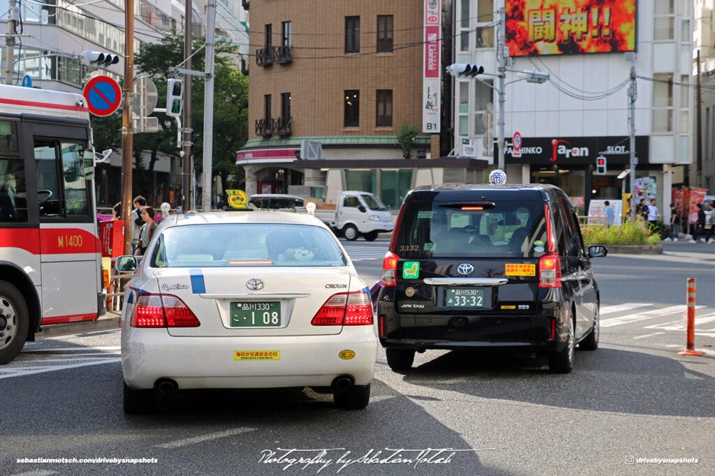 Japan Tokyo Gotanda Toyota Crown RoyalExtra and JPN Taxi by Sebastian Motsch
