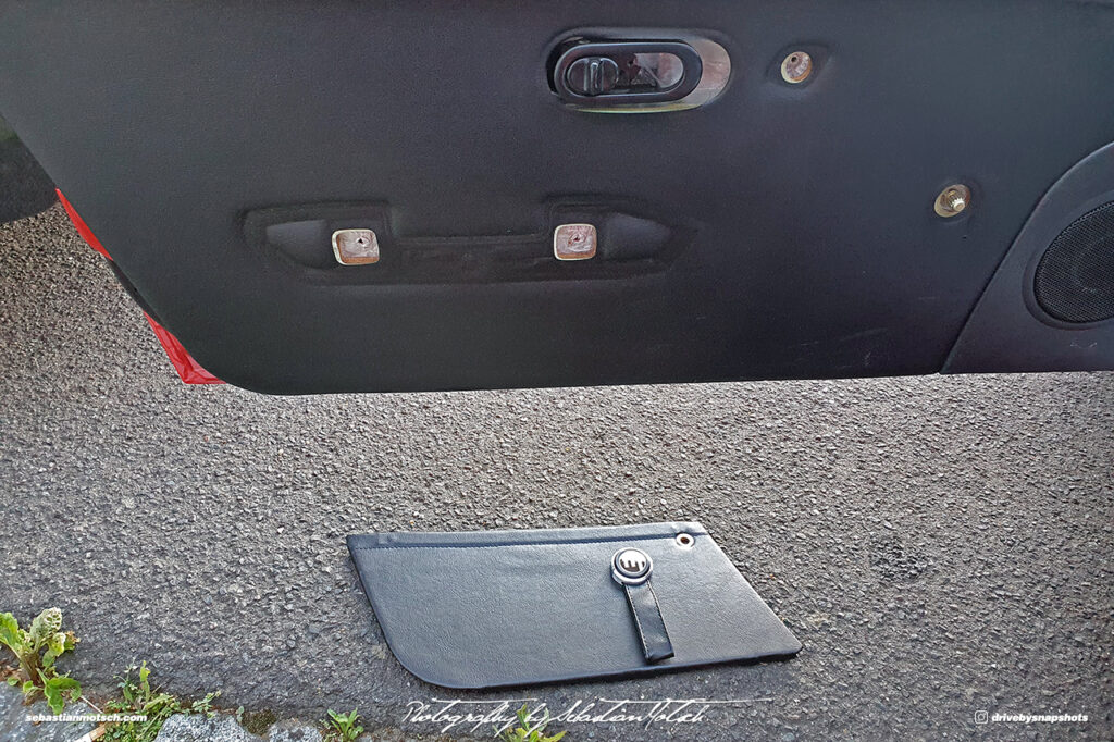 2020-07-01 Mazda Miata Door Strap Installation by Sebastian Motsch