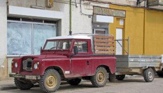 Land Rover Santana 90 SWB Pick-up Spain Burgos Drive-by Snapshot by Sebastian Motsch